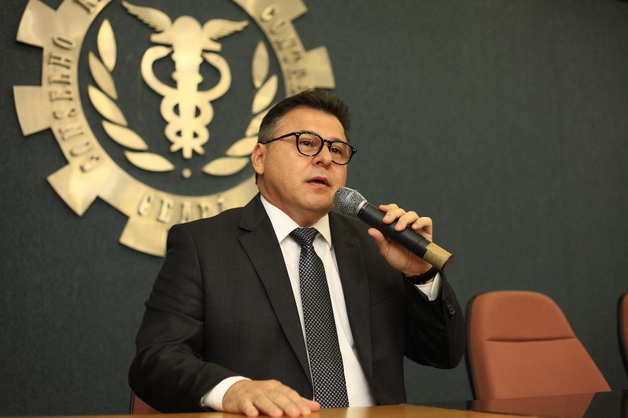 Presidente do CRCCE, Robson de Castro